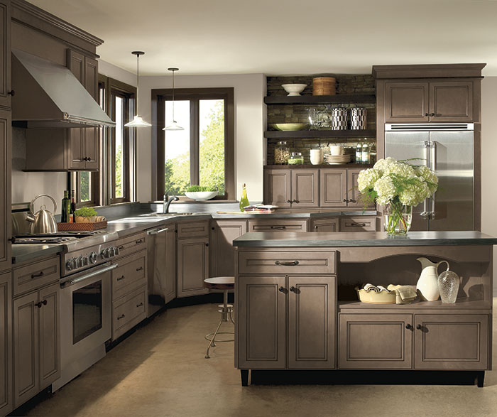 Light Maple Cabinets with Glaze - Homecrest Cabinetry