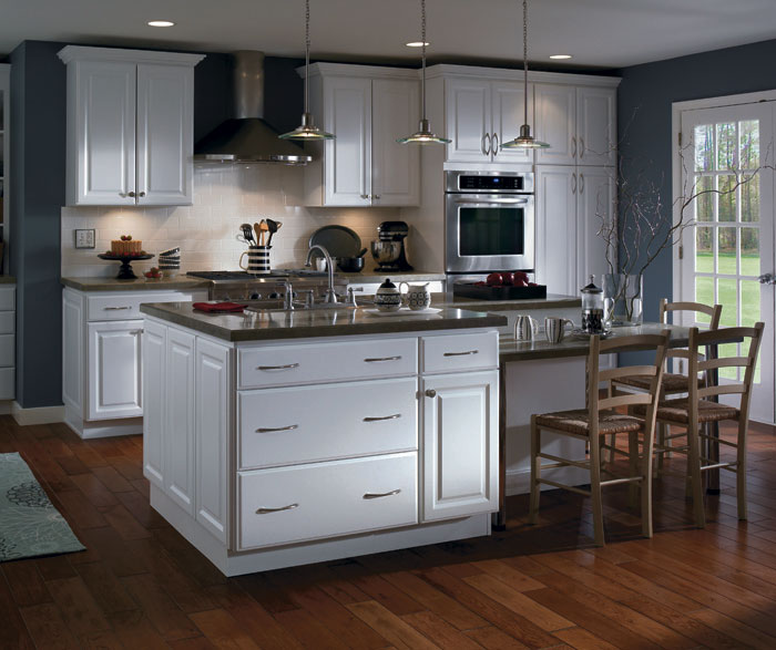 Beau White Thermofoil Kitchen Cabinets By Homecrest Cabinetry