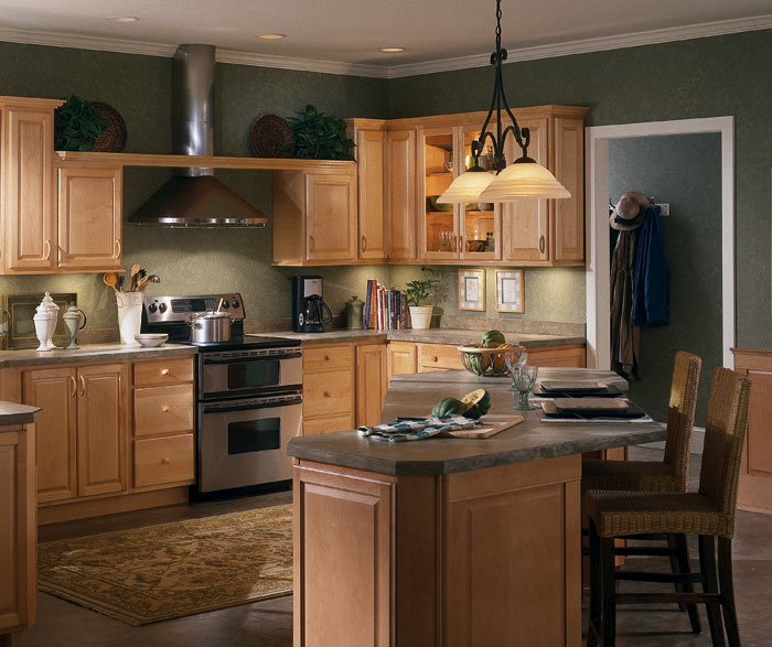 Natural Maple Kitchen Cabinets By Homecrest Cabinetry