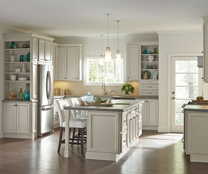 Creamy Glazed Cabinets in a Casual Kitchen