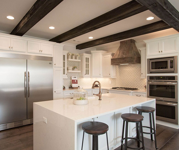 White Kitchen Cabinets In The Lautner Door Style ...