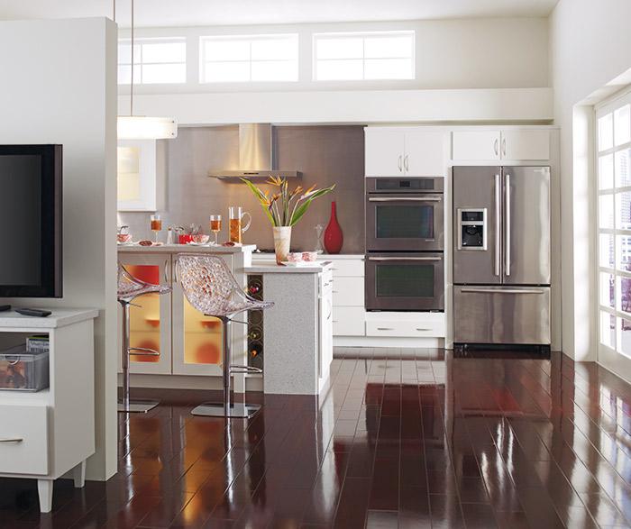 white rainier slab kitchen cabinets in alpine opaque finish     alpine white cabinets   homecrest cabinetry  rh   homecrestcabinetry com