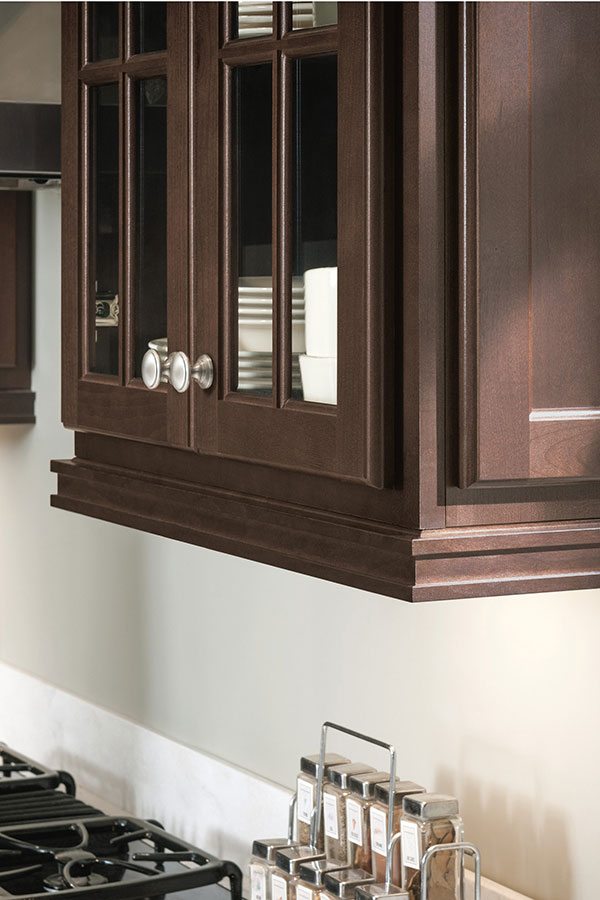 Contemporary Light Rail Insert Moulding Homecrest