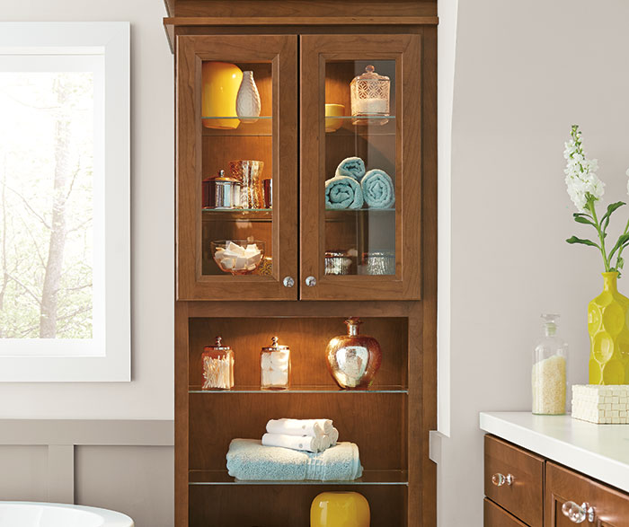 cherry_cabinets_casual_bathroom_2